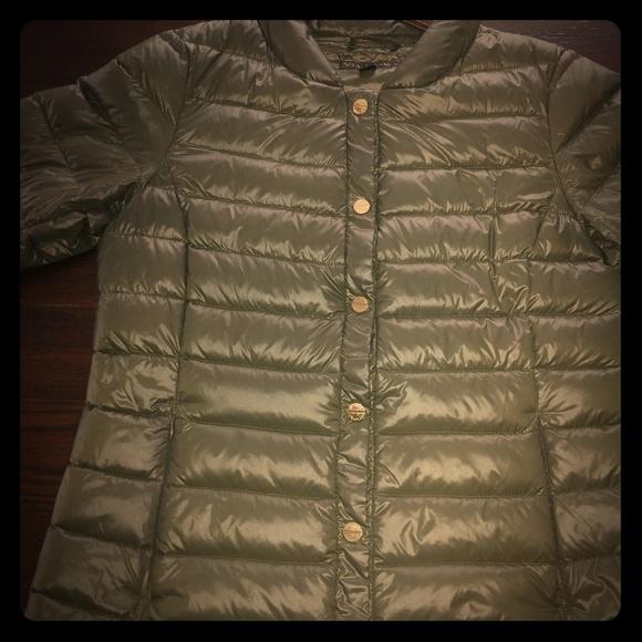 Via Spiga Jackets & Blazers - Via Spiga cropped packable puffer women's coat